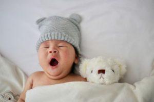 baby schläft nicht alleine ein